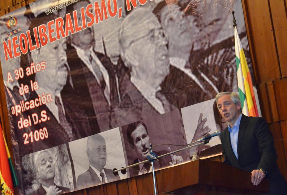 El vicepresidente Álvaro García Linera proclama, el núcleo sustancial del Decreto Supremo 21060 fue demolido y reemplazado por un nuevo ciclo, propio de un Estado Plurinacional. Foto: Jorge Mamani/ABI