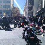 Los comunarios, de Achacachi permanecen en vigilia exigiendo la libertad de Esnor Condori. Foto: ABI/Daniel Espinoza