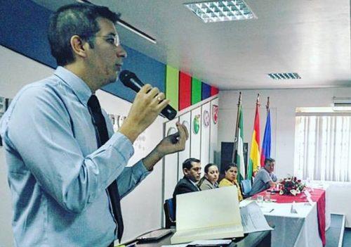 """Presentación del libro """"Tópicos del crecimiento económico en Bolivia""""."""