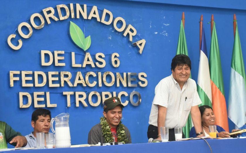El presidente Evo Morales se reúnió el 12 de octubre con autoridades y dirigentes del trópico cochabambino en Lauca Ñ. Foto: ABI/Enzo De Luca