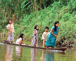 Indígenas de la Amazonía. Foto: EL Diario